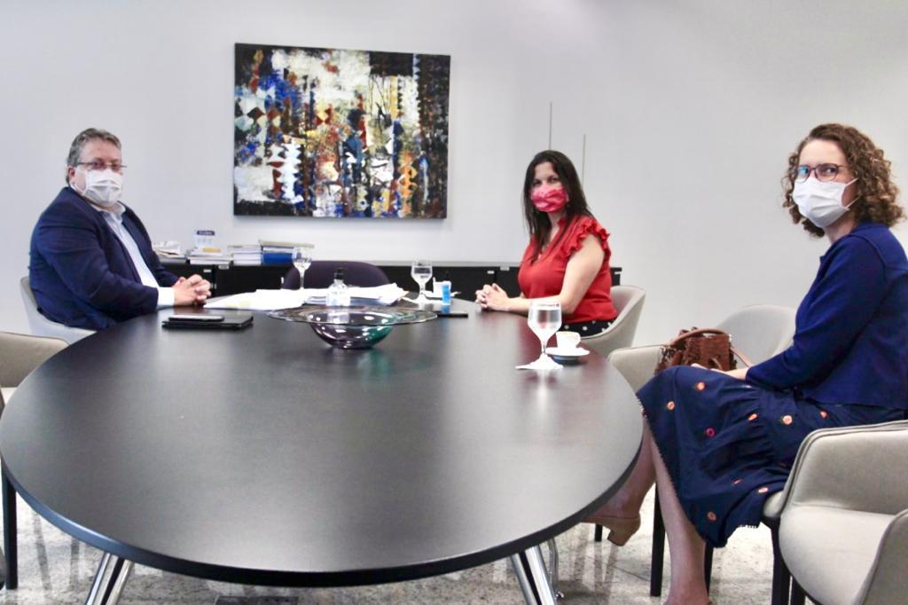 Defensora Geral faz visita institucional à presidência do TCE